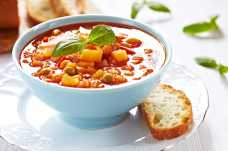 Minestrone Soup with a Wholemeal Roll - Weight Loss Resources