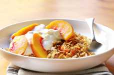 Muesli with Yoghurt and Peach - Weight Loss Resources