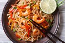 Stir Fried King Prawns with Noodles - Weight Loss Resources