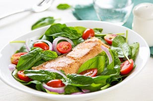 Salmon and Baby Spinach Salad with Lemon and Garlic Dressing