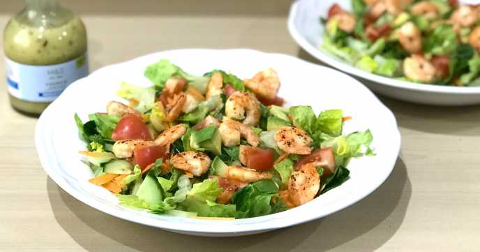 Avocado Salad with Cooked Prawns