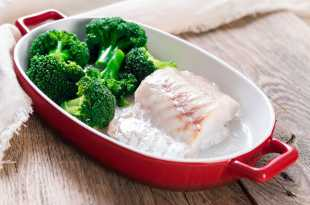 Baked cod and broccoli