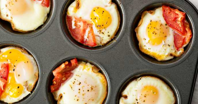 Baked Eggs with Proscuitto and Tomato