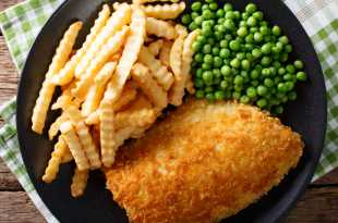 Breaded Fish with Crinkle Cut Chips and Petit Pois