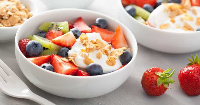 Fruit Salad with Yoghurt & Oats