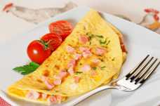 Ham and Cheese Omelette with Tomato - Weight Loss Resources