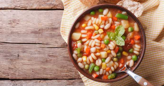 italian bean soup with bread