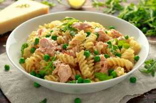 Lemon Garlic Pasta with Salmon and Peas (Eat Less Meat)