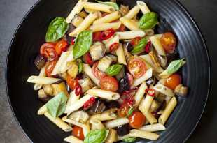 wlr's Roasted Mediterranean Vegetable Pasta (under 500 calories)