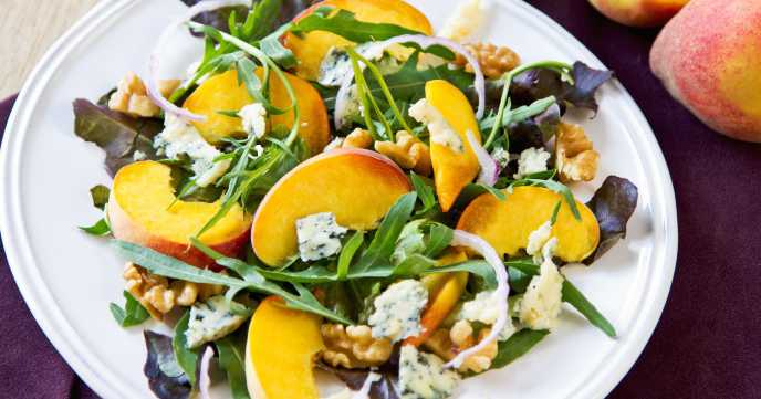 Peach with Blue Cheese ,Walnut and Rocket salad