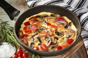 Tomato and Mushroom Omelette with Baked Beans