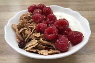 Special K Nourish with Yoghurt and Raspberries